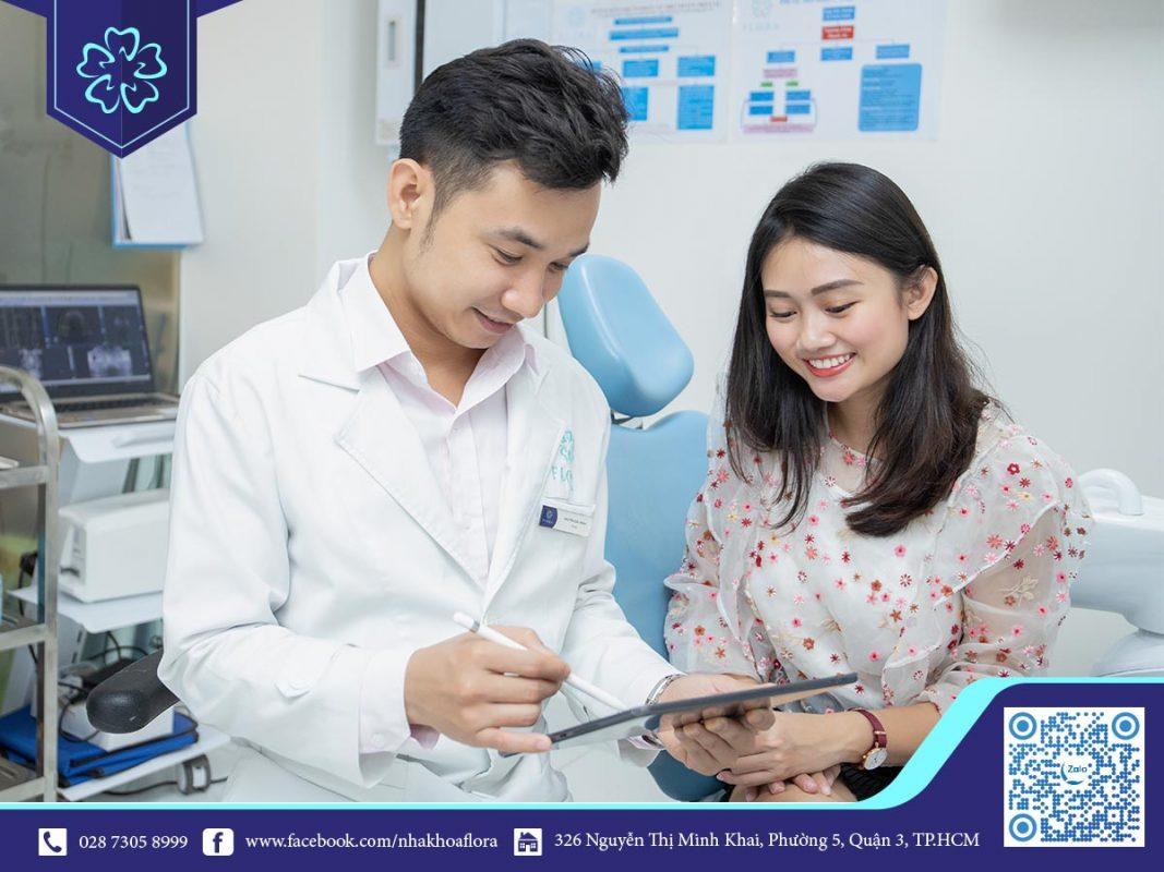 Bác sĩ Nguyễn Đắc Minh trực tiếp tư vấn cho khách hàng (ảnh minh họa)