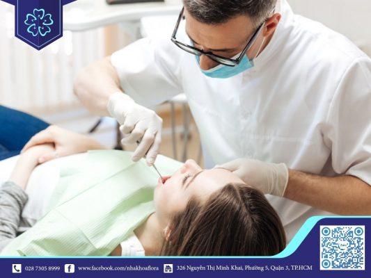 Tay nghề bác sĩ là yếu tố quyết định của ca bọc răng sứ (ảnh minh họa)
