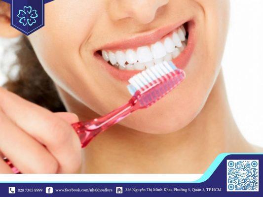 Lưu ý về vệ sinh răng miệng sau khi trồng răng Implant (ảnh minh họa)