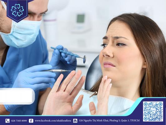 Căng thẳng khi thực hiện quy trình cấy răng Implant (ảnh minh họa)